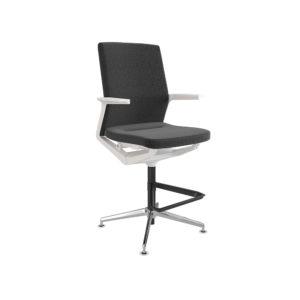 Taburete respaldo medio, asiento y respaldo tapizado,base giratoria de 4 topes con reposapies negro.