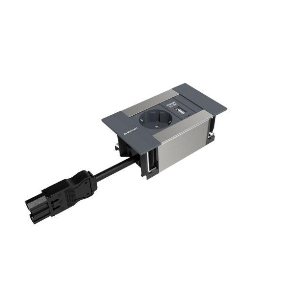 Conector con enchufe y dos USB. Mecanización en tapa incluida.
